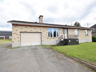 House for sale in Saint-Honoré-de-Témiscouata, Bas-Saint-Laurent, 80, Rue  Principale, 10705458 - Centris.ca