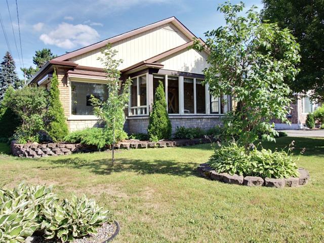 Maison à vendre à Saguenay (Jonquière), Saguenay/Lac-Saint-Jean, 2277, Rue  Guèvremont, 17921734 - Centris.ca