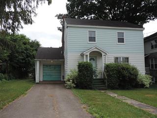 Maison à vendre à Lachute, Laurentides, 412, Rue  Bédard, 20293006 - Centris.ca