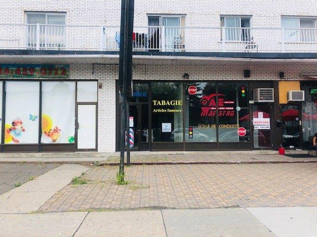 Local commercial à louer à Montréal (Saint-Léonard), Montréal (Île), 4709, boulevard  Robert, 28141354 - Centris.ca