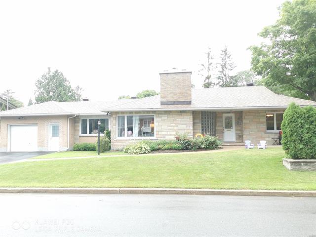 House for rent in Dorval, Montréal (Island), 15, Avenue  Lilas, 15119996 - Centris.ca