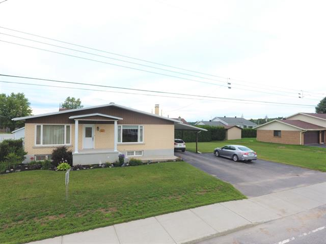 House for sale in Saint-Tite, Mauricie, 601, boulevard  Saint-Joseph, 28757062 - Centris.ca