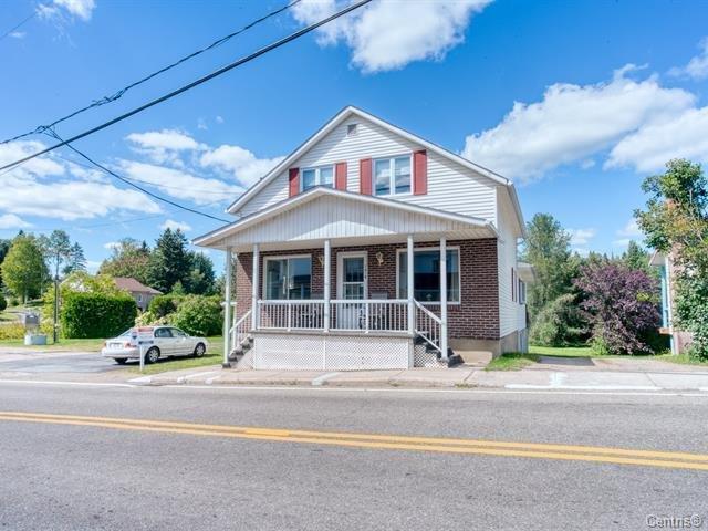 Duplex à vendre à Saint-Côme, Lanaudière, 1810Z - 1812Z, Rue  Principale, 21278711 - Centris.ca