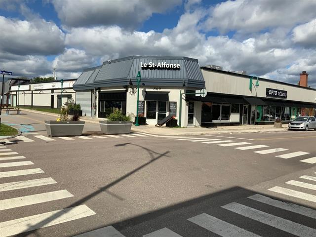 Commercial building for sale in Roberval, Saguenay/Lac-Saint-Jean, 865 - 871, boulevard  Saint-Joseph, 28607811 - Centris.ca