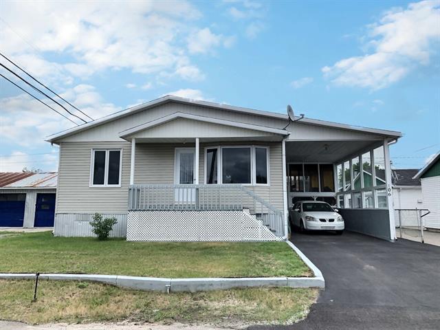 Maison à vendre à Dolbeau-Mistassini, Saguenay/Lac-Saint-Jean, 106 - 114, 18e Avenue, 19520766 - Centris.ca