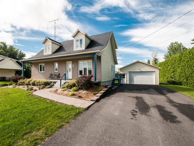 Maison à vendre à Mont-Saint-Grégoire, Montérégie, 83, Rue des Pins, 28681925 - Centris.ca