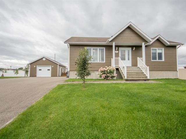 House for sale in Saint-Honoré, Saguenay/Lac-Saint-Jean, 701, Rue  Brassard, 25114120 - Centris.ca