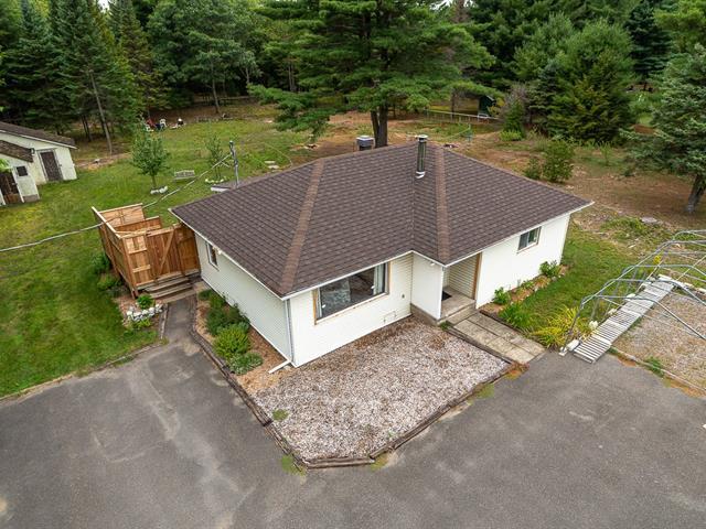 Maison à vendre à Saint-Jérôme, Laurentides, 951, Rue des Lacs, 9218921 - Centris.ca