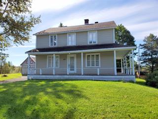 Maison à vendre à Amqui, Bas-Saint-Laurent, 585, Route  132 Est, 11224214 - Centris.ca