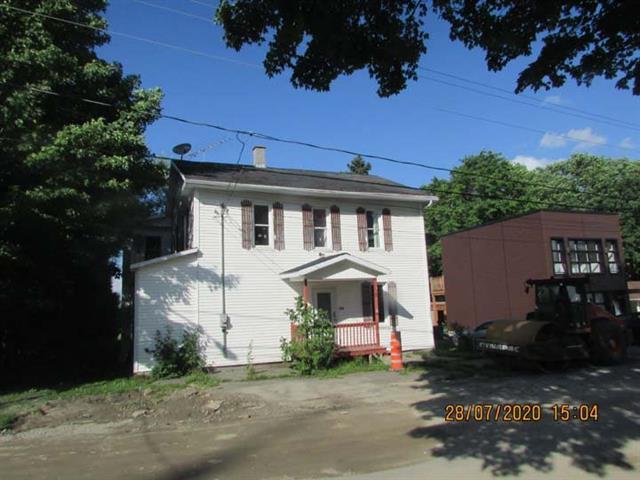 Duplex for sale in Saint-Pierre-Baptiste, Centre-du-Québec, 1010, Rue  Principale, 27598398 - Centris.ca