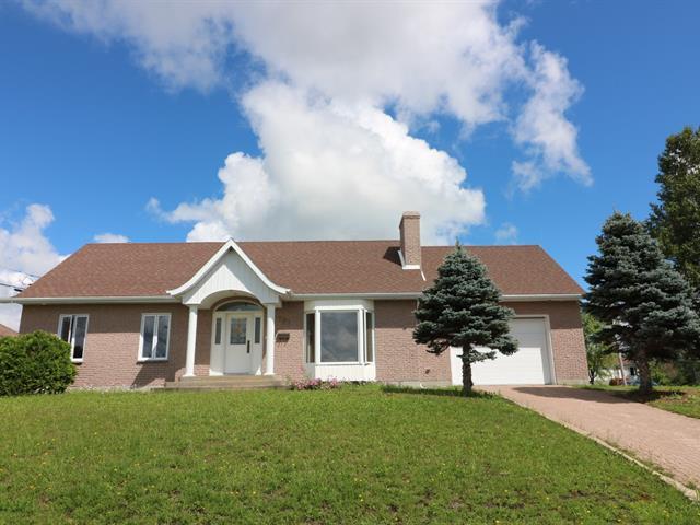 House for sale in Amos, Abitibi-Témiscamingue, 701, 1re Avenue Est, 13831652 - Centris.ca
