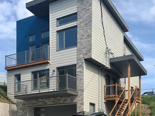 Duplex à vendre à Rivière-du-Loup, Bas-Saint-Laurent, 49 - 51, Rue  Frontenac, 23273353 - Centris.ca
