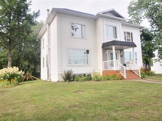 Maison à vendre à Rivière-Bleue, Bas-Saint-Laurent, 54, Rue de la Frontière Ouest, 15140575 - Centris.ca