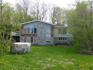 Maison à vendre à Témiscaming, Abitibi-Témiscamingue, 93, Avenue  Thorne, 22356183 - Centris.ca