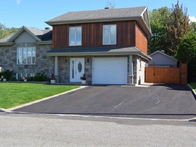 House for sale in Lévis (Desjardins), Chaudière-Appalaches, 64, Rue  Jules-Verne, 9788088 - Centris.ca