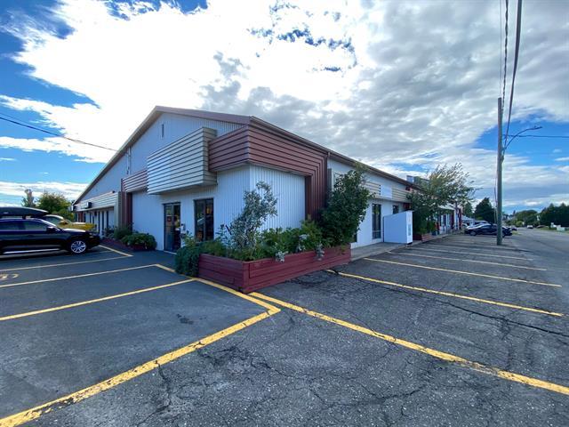 Commercial building for sale in Mont-Joli, Bas-Saint-Laurent, 28 - 30, Avenue des Fusiliers Est, 22455249 - Centris.ca