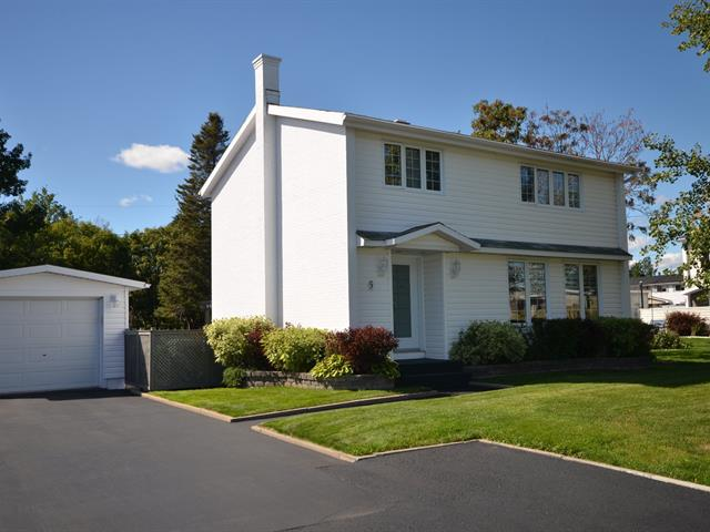 House for sale in Port-Cartier, Côte-Nord, 5, 12e Rue, 17899149 - Centris.ca