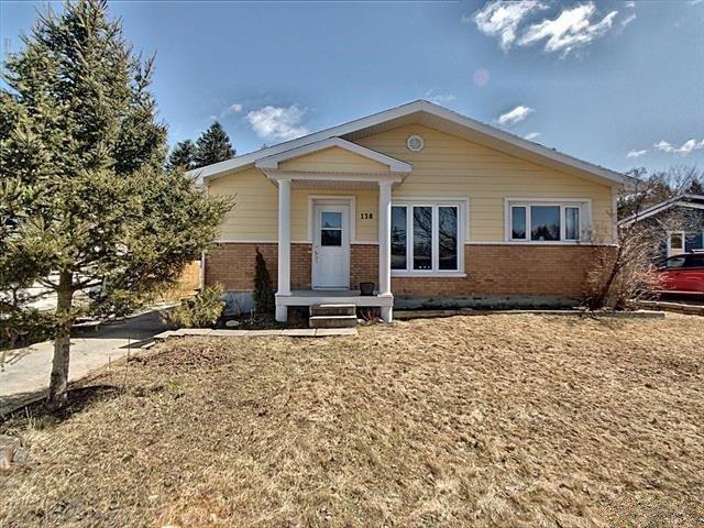 Duplex à vendre à Saguenay (Chicoutimi), Saguenay/Lac-Saint-Jean, 138 - 140, Rue  Saint-Denis, 13736236 - Centris.ca