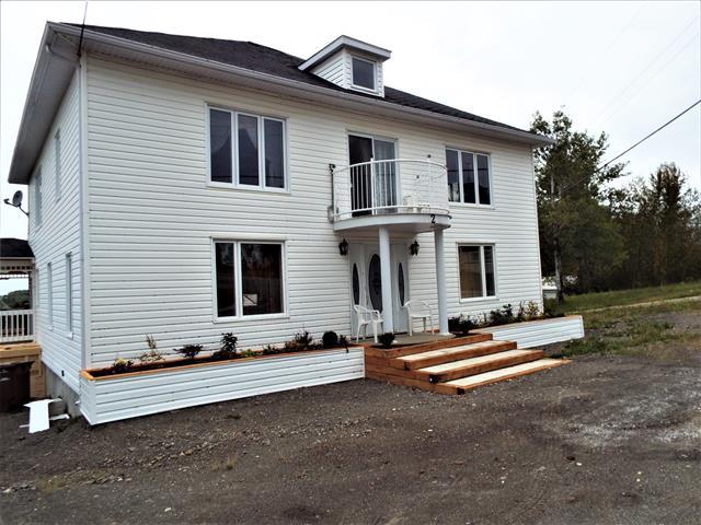 House for sale in La Trinité-des-Monts, Bas-Saint-Laurent, 2, Rue  Principale Ouest, 11019635 - Centris.ca