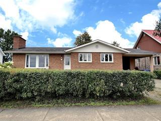 Maison à vendre à Val-d'Or, Abitibi-Témiscamingue, 461, boulevard  Sabourin, 12135197 - Centris.ca