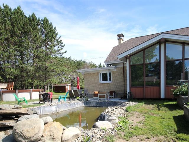 Fermette à vendre à Lac-Mégantic, Estrie, 4574Z, Rue  Pie-XI, 26183448 - Centris.ca
