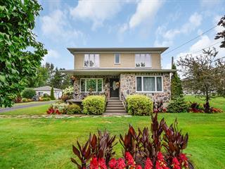 Maison à vendre à Saint-Pierre-de-la-Rivière-du-Sud, Chaudière-Appalaches, 891, Rue  Principale, 14385772 - Centris.ca