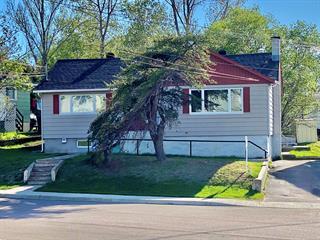 Maison à vendre à Baie-Comeau, Côte-Nord, 61, Avenue du Père-Arnaud, 17026563 - Centris.ca
