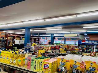 Commerce à vendre à Blainville, Laurentides, 944, boulevard du Curé-Labelle, 20479627 - Centris.ca