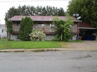 Triplex for sale in Maniwaki, Outaouais, 262, Rue  McDougall, 10884383 - Centris.ca