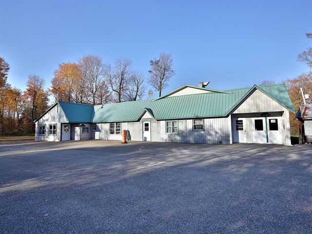 Bâtisse commerciale à vendre à Saint-Pie, Montérégie, 562, Grand rg  Saint-François, 26237130 - Centris.ca