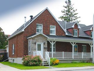 Maison à vendre à Longueuil (Le Vieux-Longueuil), Montérégie, 450, Rue  Saint-Laurent Ouest, 20898479 - Centris.ca