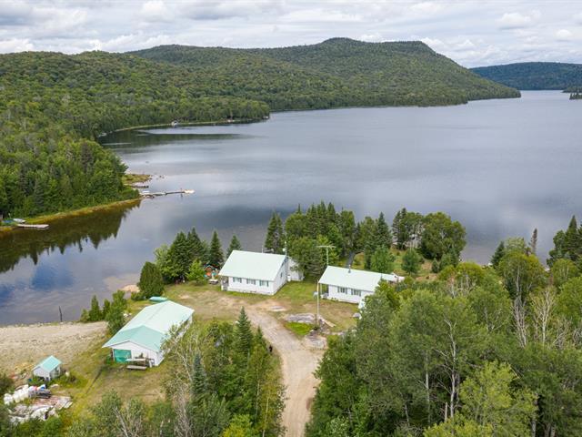 Chalet à vendre à Saint-Guillaume-Nord, Lanaudière, Lac  Provost, 12916994 - Centris.ca