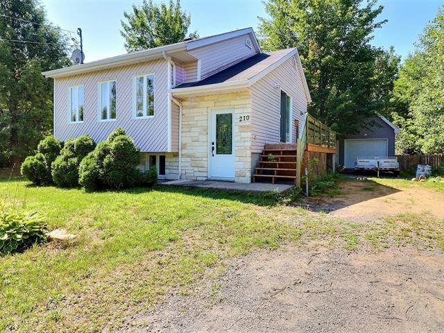 Maison à vendre à Saint-Colomban, Laurentides, 210, Rue du Boisé, 11362953 - Centris.ca
