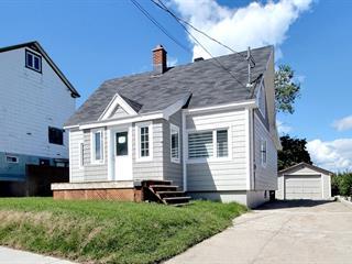 Maison à vendre à Baie-Comeau, Côte-Nord, 25, Avenue  Laval, 13210105 - Centris.ca