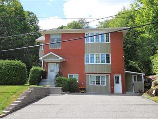 Triplex à vendre à Sherbrooke (Lennoxville), Estrie, 27, Rue  Vaudry, 20578287 - Centris.ca
