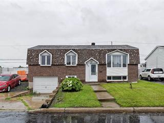 Maison à vendre à Longueuil (Saint-Hubert), Montérégie, 375, Rue  Moreau, 15077271 - Centris.ca