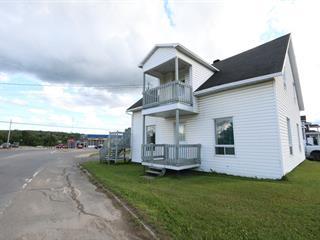 Duplex à vendre à Saint-Tite, Mauricie, 525 - 527, Route  153, 21711547 - Centris.ca