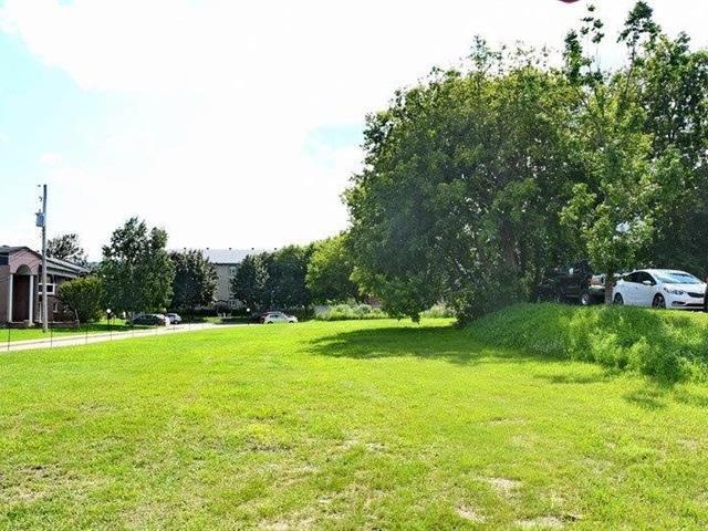 Terrain à vendre à Baie-Saint-Paul, Capitale-Nationale, boulevard  Raymond-Mailloux, 11355577 - Centris.ca