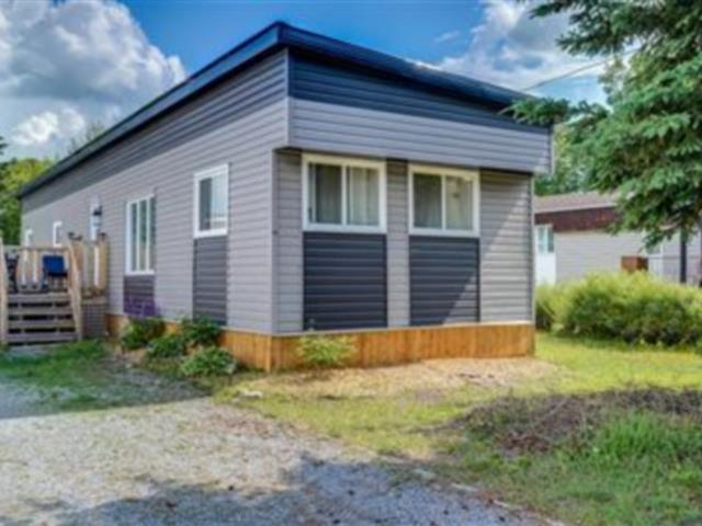 Mobile home for sale in Témiscouata-sur-le-Lac, Bas-Saint-Laurent, 14, Rue du Parc, 12249394 - Centris.ca