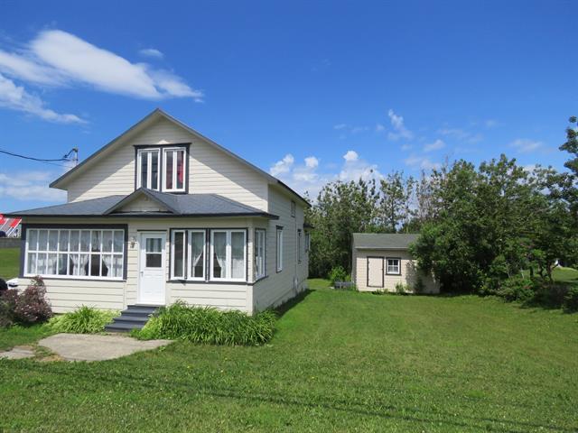 Maison à vendre à Grande-Vallée, Gaspésie/Îles-de-la-Madeleine, 11, Rue  Saint-François-Xavier Est, 27966988 - Centris.ca