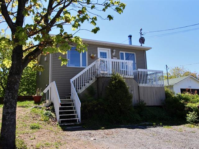 House for sale in Cacouna, Bas-Saint-Laurent, 284, Rue de la Grève, 17273790 - Centris.ca