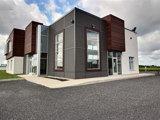 Bâtisse commerciale à vendre à Saint-Germain-de-Grantham, Centre-du-Québec, 204, boulevard  Industriel, 27650835 - Centris.ca