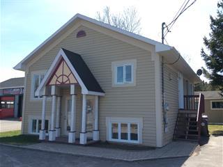 Maison à vendre à Rivière-du-Loup, Bas-Saint-Laurent, 38, boulevard  Cartier, app. A-B, 15470492 - Centris.ca