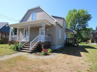 Maison à vendre à Warwick, Centre-du-Québec, 9, Rue  Gingras, 15700697 - Centris.ca