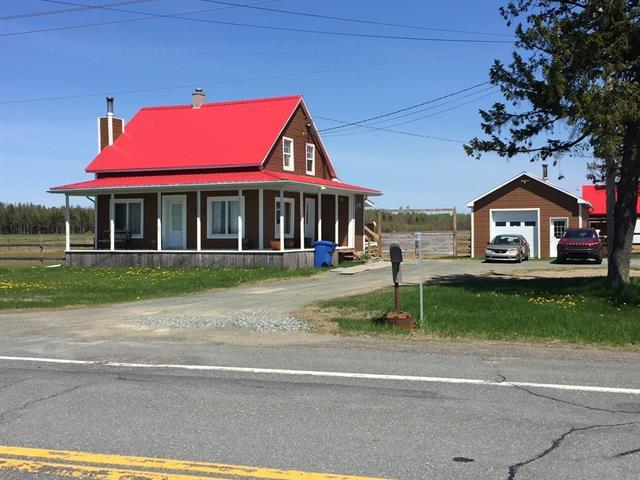 Fermette à vendre à Saint-Valère, Centre-du-Québec, 3392, Route  161, 19242716 - Centris.ca