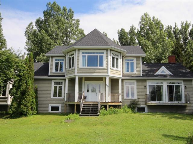 Maison à vendre à Notre-Dame-du-Portage, Bas-Saint-Laurent, 890, Route du Fleuve, 28681372 - Centris.ca