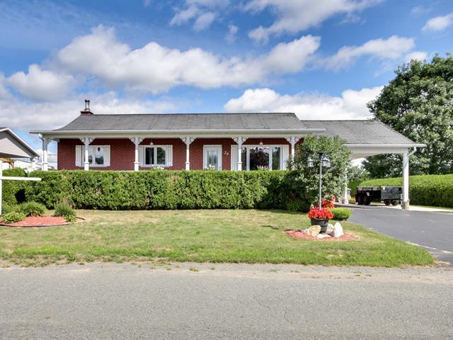 House for sale in Daveluyville, Centre-du-Québec, 26, 102e Rue, 21595207 - Centris.ca