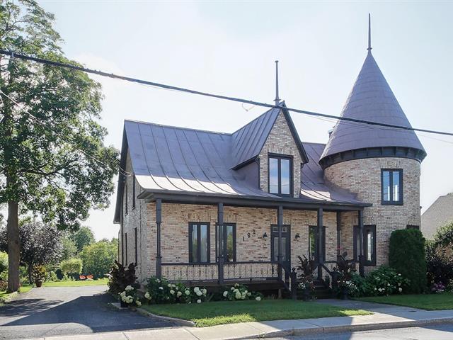House for sale in Saint-Henri, Chaudière-Appalaches, 182, Rue  Commerciale, 11060711 - Centris.ca