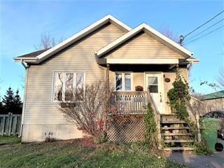 Maison à vendre à Victoriaville, Centre-du-Québec, 92, Avenue  Pie-X, 20322035 - Centris.ca