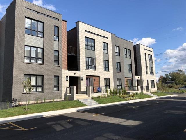 Triplex for sale in Terrebonne (Terrebonne), Lanaudière, 5722 - 5730, Rue d'Angora, 22783213 - Centris.ca